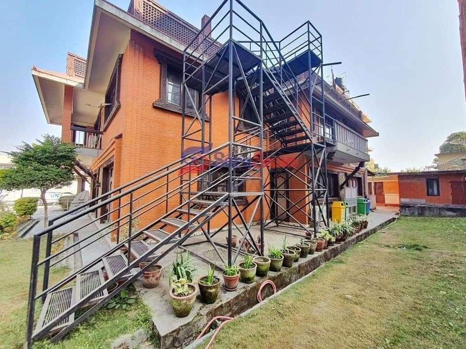 Built On 3 Ropani Plus Land Area House On Rent At Thapathali Height